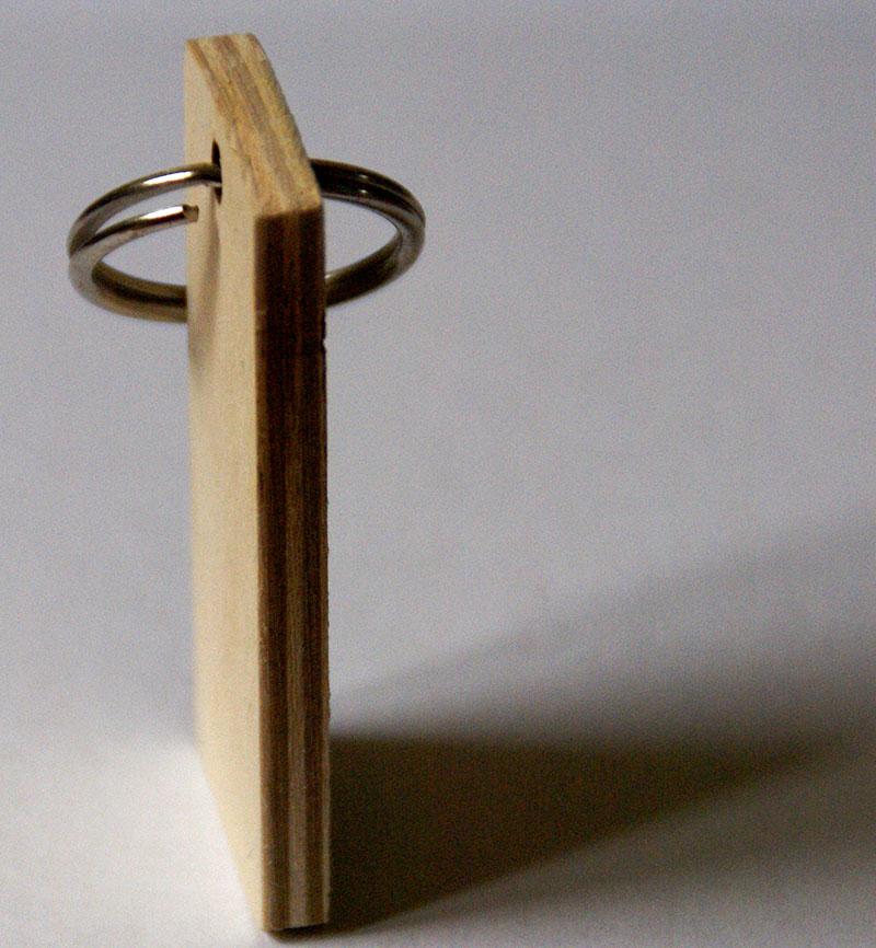 brelok drewniany prl widok z góry